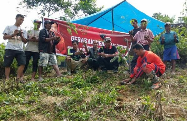 Cintai Alam, PDI Perjuangan Luwu Tanam Pohon di Bastem