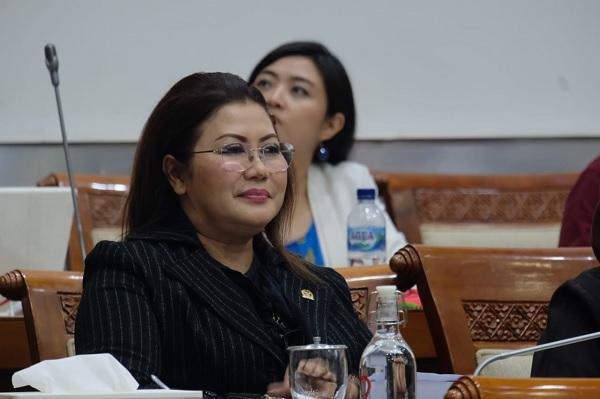 Ina Amania: Foto Mahasiswi Diblur, Langgar Kesetaraan Gender