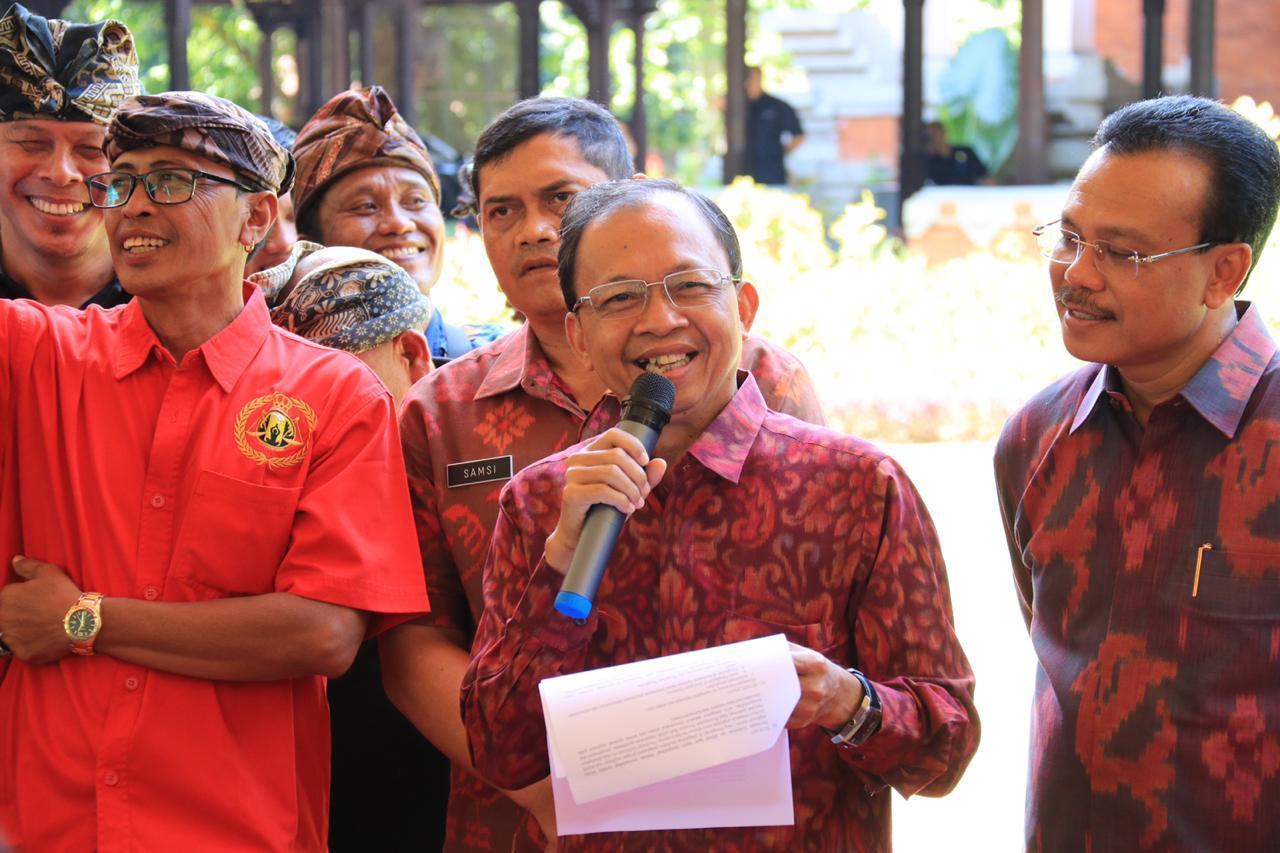Lestarikan Budaya, Sopir di Bali Wajib Kenakan Pakaian Adat