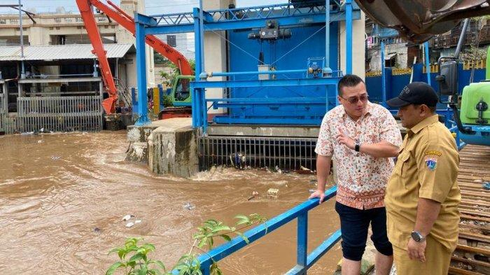 Kent Geram Leletnya Anies bertindak Tangani Banjir
