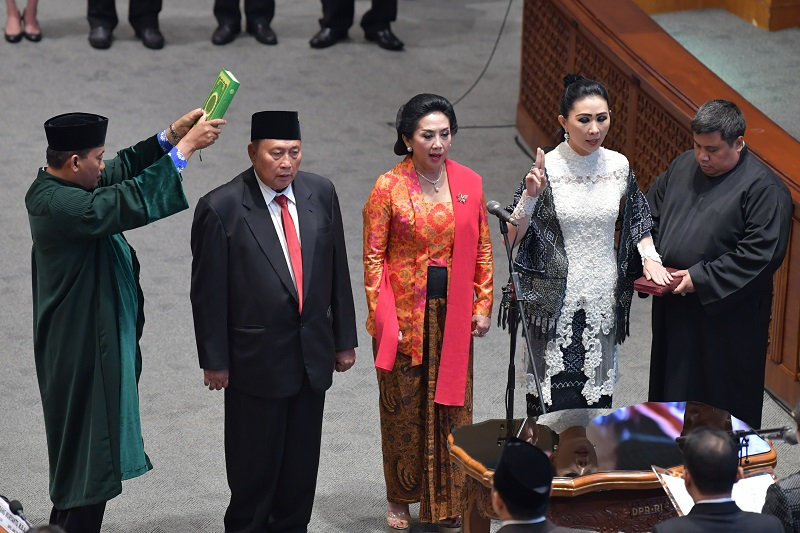 PAW, Dua Kader Banteng Dilantik Gantikan Yasonna & Juliari