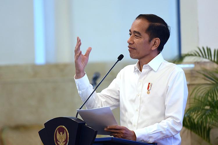 Alhamdulilah , Presiden Jokowi Janji Guru Honorer Dapat Fasilitas PNS Plus Program Untuk Dapat Rumah - liputan9