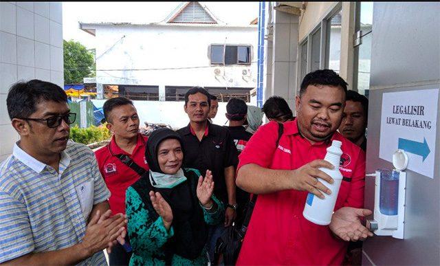 Keren, PDI Perjuangan Garut Buka Posko Gotong Royong