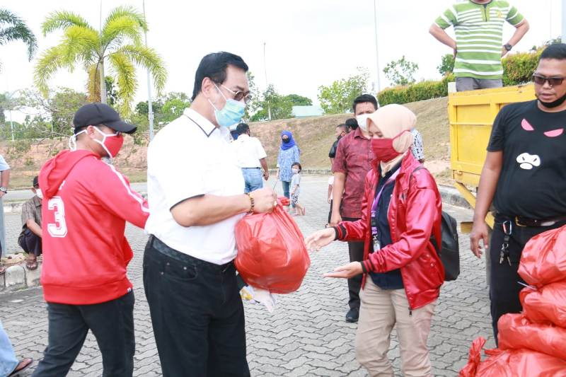 Soerya Salurkan 1.000 Paket Bantuan di Kota Batam