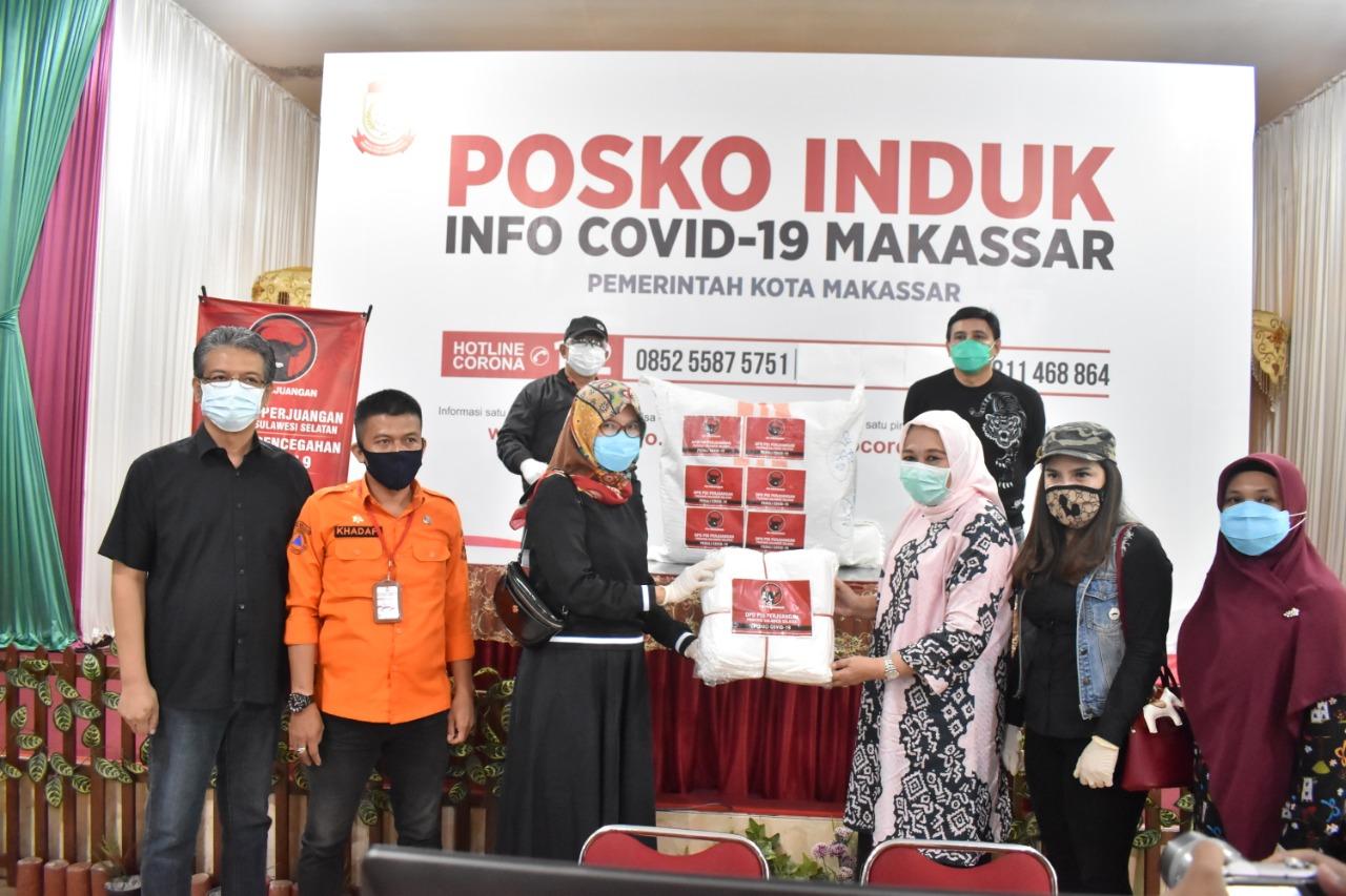 Jum'at Berkah, PDI Perjuangan Sulsel Salurkan Bantuan APD