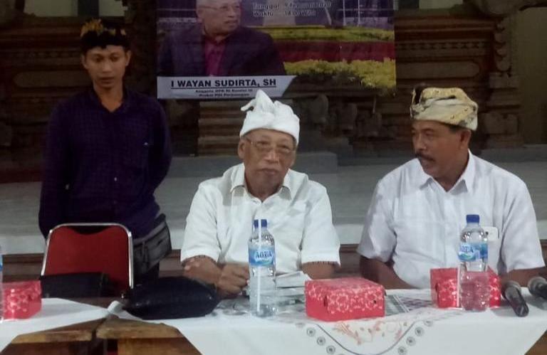 Politikus Banteng Bali Kompak Bantu Rakyat Ditengah Covid