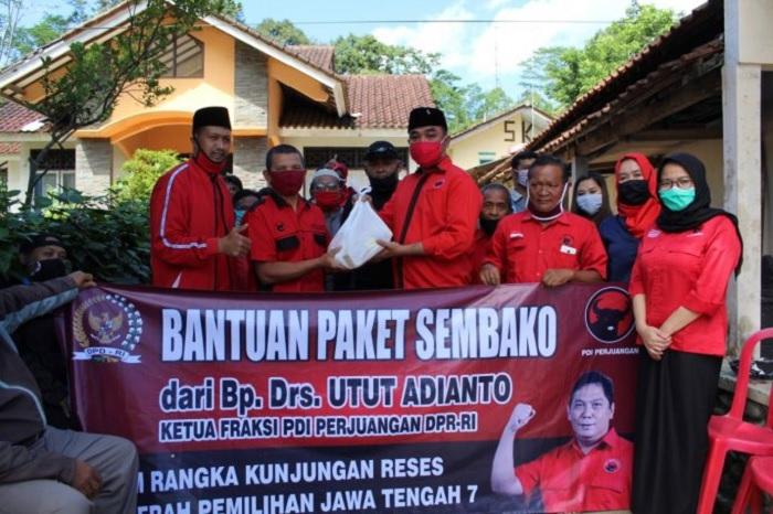 Utut Adianto Sebar 1.122 Paket Sembako di 20 Kecamatan