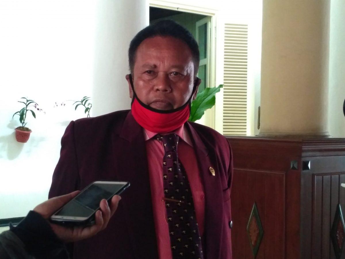 Reses, Nuryadi Bagikan Bantuan 600 Paket Sembako