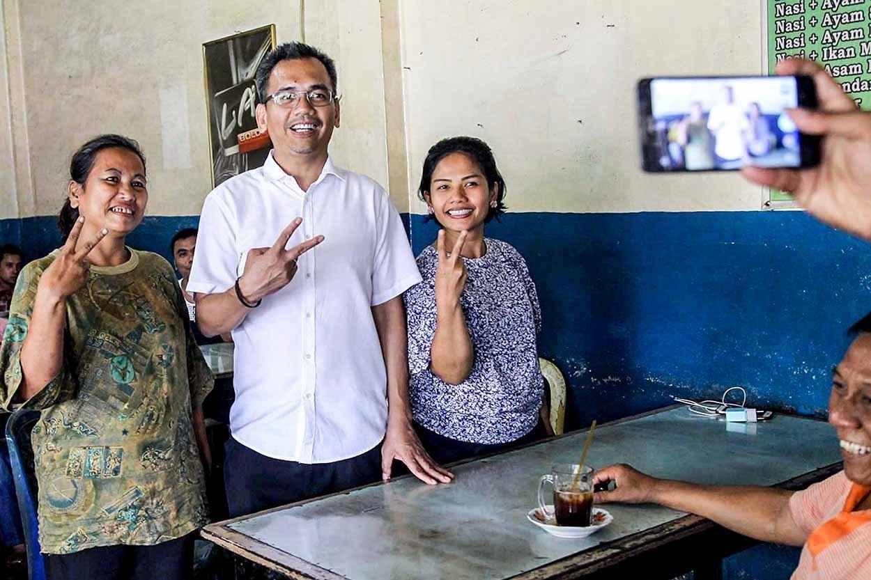 Sihar Bagikan Alat 'Rapid Test' di Dapil Sumut Dua