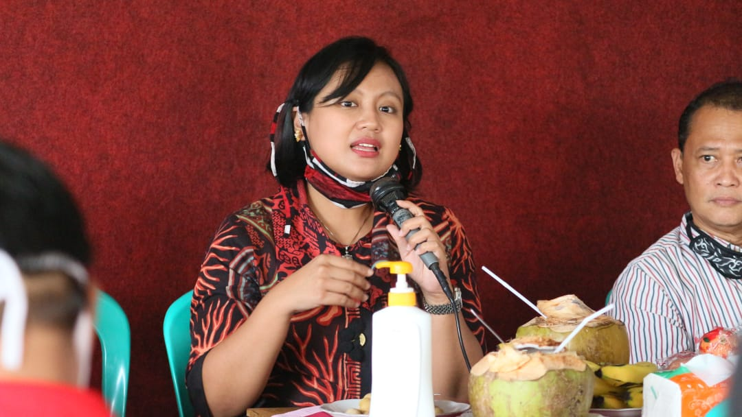 Casytha Sumbang 400 Paket Sembako di Demak