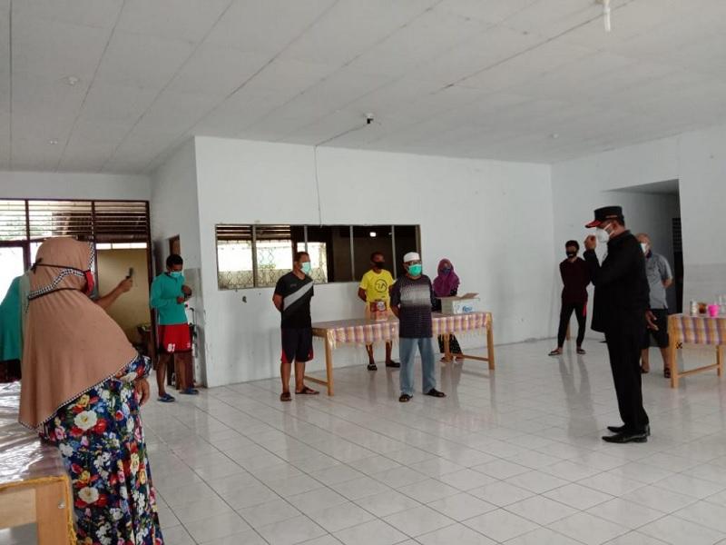 Wawali Tidore Kunjungi & Pantau Kondisi Kesehatan Warga