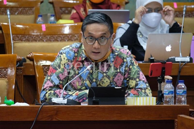 Dicecar Putra Soal PPDB, Nadiem Janji Secepatnya Kaji Ulang