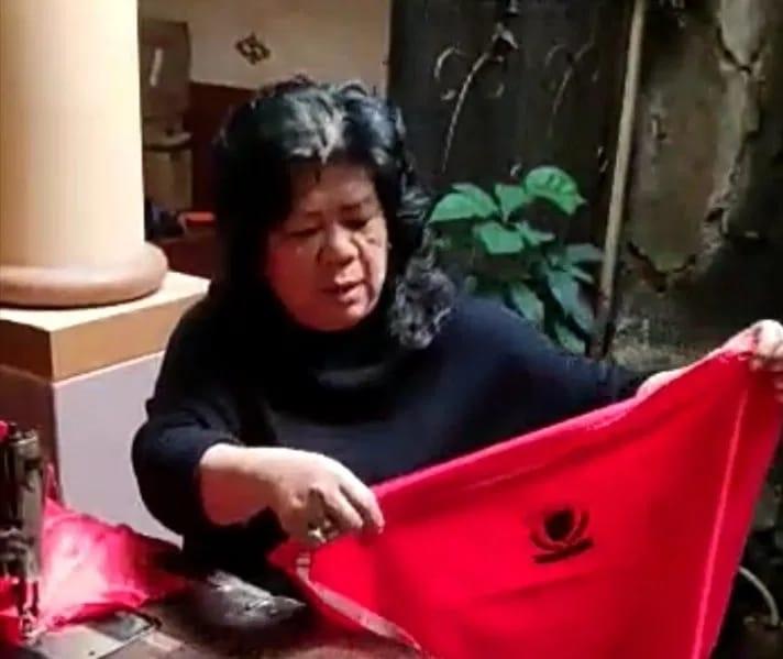 Atty Jahit Puluhan Bendera Partai Untuk Para Kader