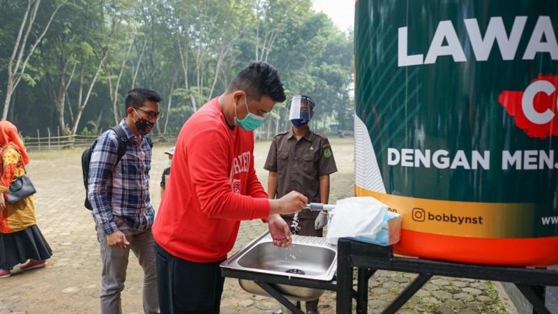 Bobby Nasution Sumbang Tandon Air di Medan Zoo