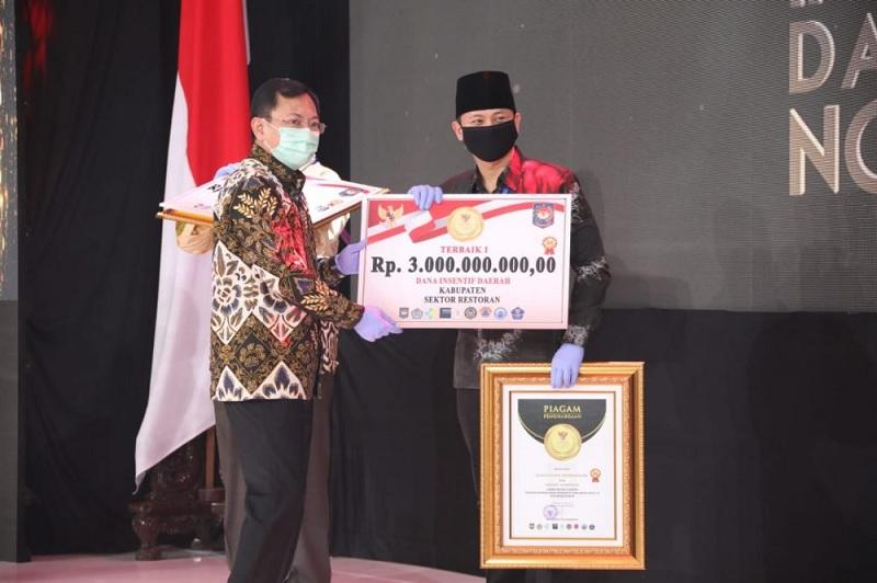Wow! Trenggalek Raih 4 Award Inovasi Daerah Aman Covid-19