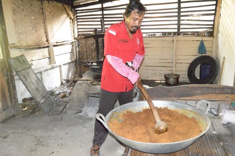 Roydieman Mantapkan Usaha Gula Semut di Tengah Pandemi