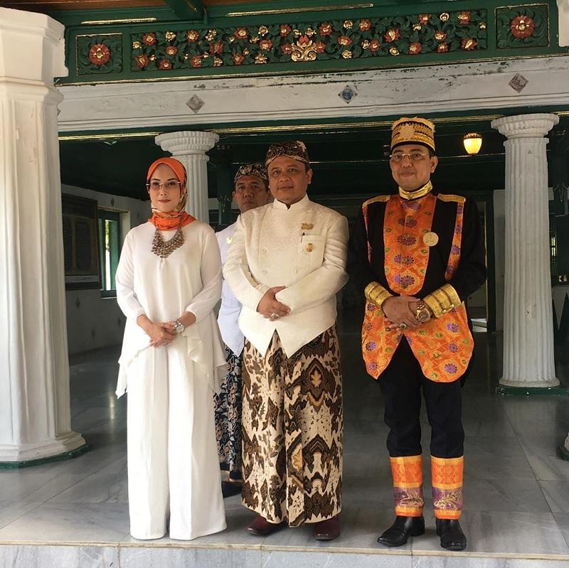 Selly: Sultan Sepuh Pemersatu Keraton di Indonesia