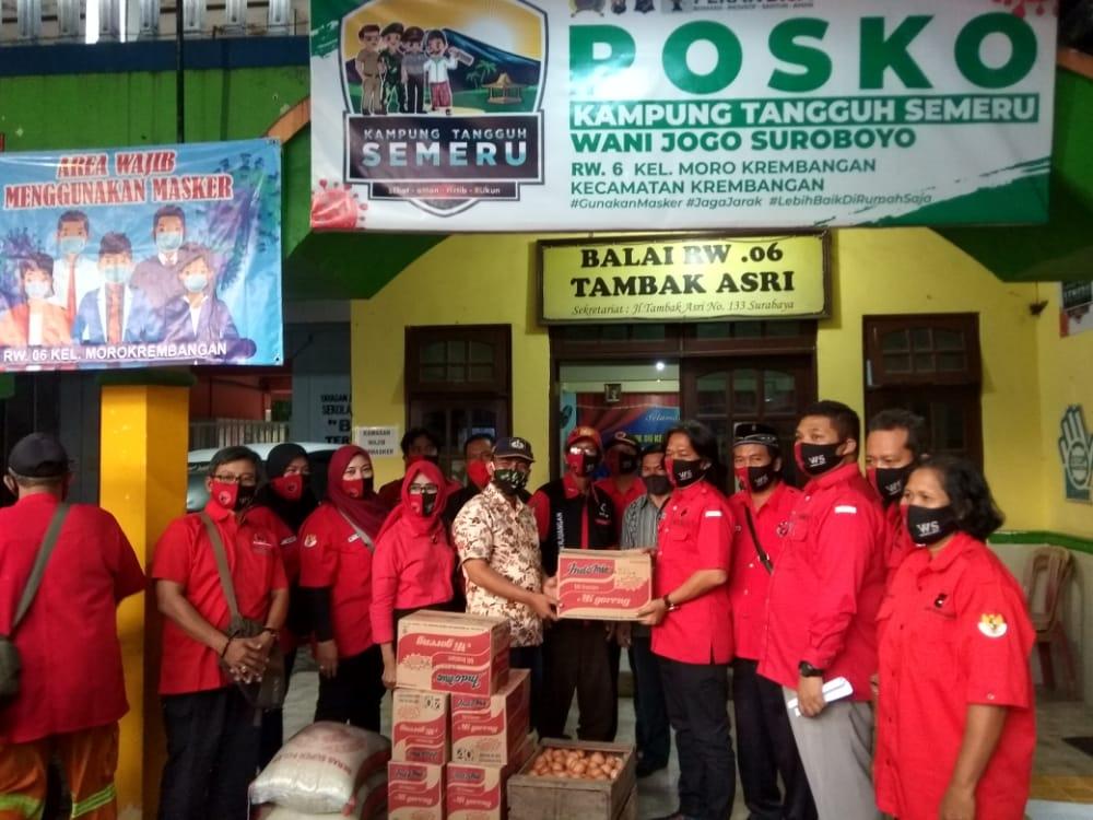 Banteng Surabaya Bantu Korban Kebakaran Tambak Asri