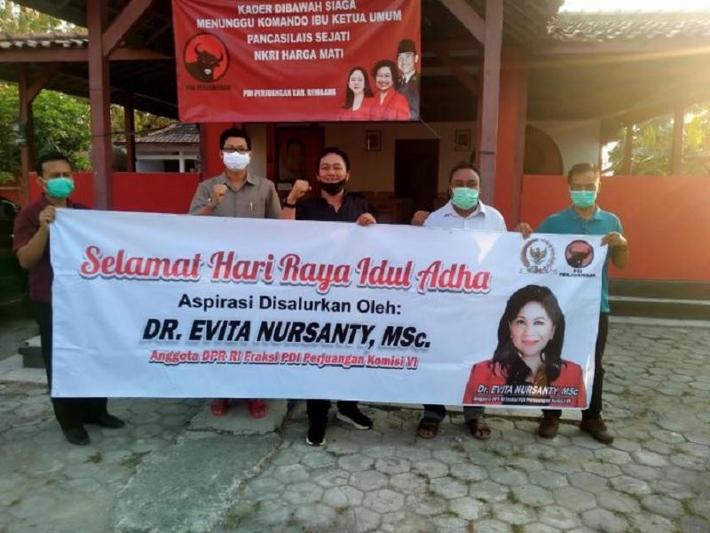 Idul Adha, Evita Nursanty Sumbang Hewan Kurban ke Rembang