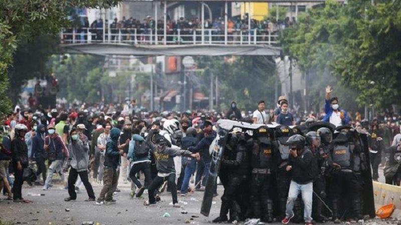 Repdem: Aksi Demo, Bandit Provokator Rakyat & Haus Kekuasaan