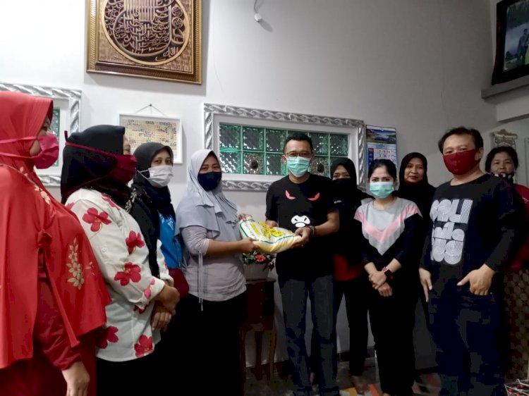 Dampak Pandemi COVID-19, Nurdin Bagikan 10 Ton Beras