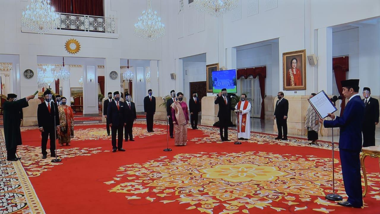 Presiden Jokowi Lantik 12 Orang Duta Besar LBBP