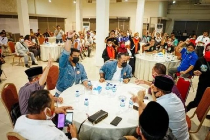 Sukses Saat Debat, Bobby-Aulia Minta Relawan Jaga Semangat