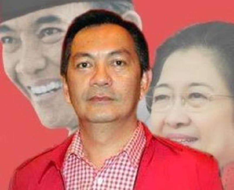 Johny Runtuwene Resmi Isi Kursi Pimpinan DPRD Tomohon