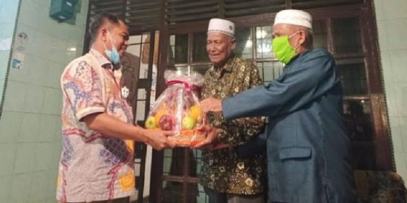 Hari Pahlawan, Darma Wijaya Kunjungi Veteran & Wredatama