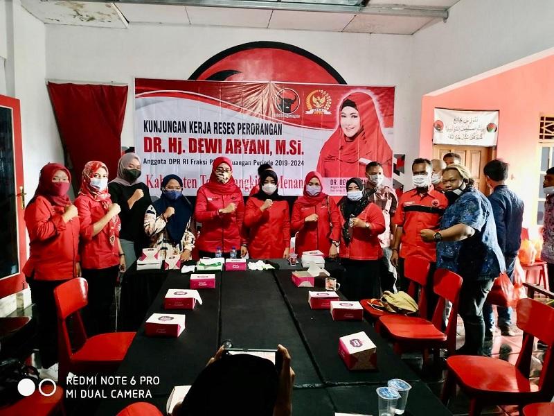Dewi Aryani Gerakkan Program di Belasan Desa Saat Reses