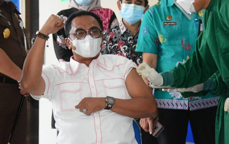 Sigit Tegaskan Vaksin COVID-19 Aman dan Halal