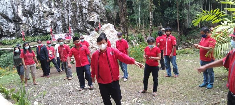 HUT Megawati, Banteng Tana Toraja Gelar Aksi Tanam Pohon