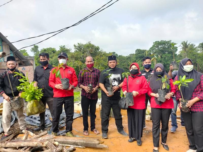 HUT Megawati, Beni Komandoi Muba Tanam 21.000 Pohon