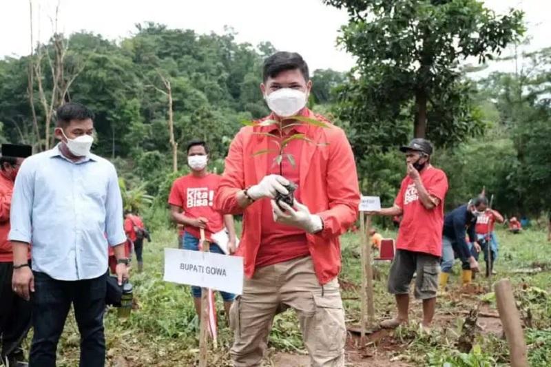 HUT Megawati, PDI Perjuangan Gowa Tanam 20.000 Pohon