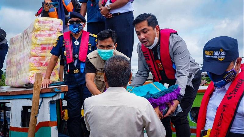 BAGUNA PDI Perjuangan Salurkan Sembako & Obat ke Kab Banjar