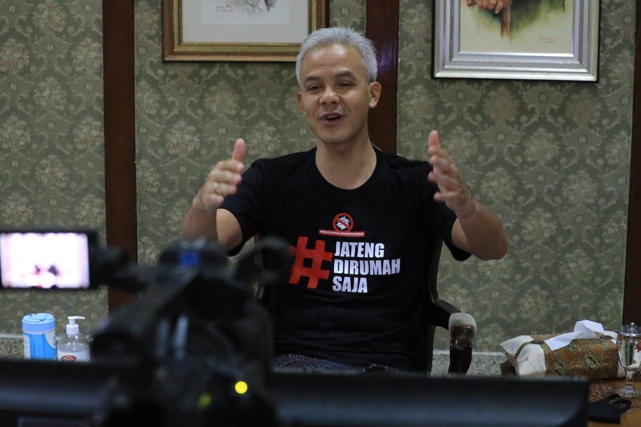 Ganjar Tak Ingin Ada Hukuman Saat 'Jateng di Rumah Saja'