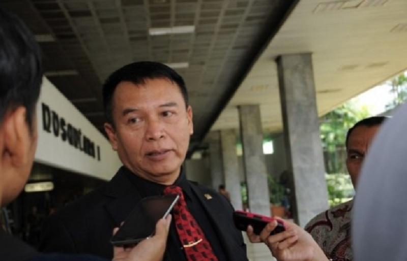 TB Hasanuddin: Prioritaskan Bela Negara, Bukan Komcad!