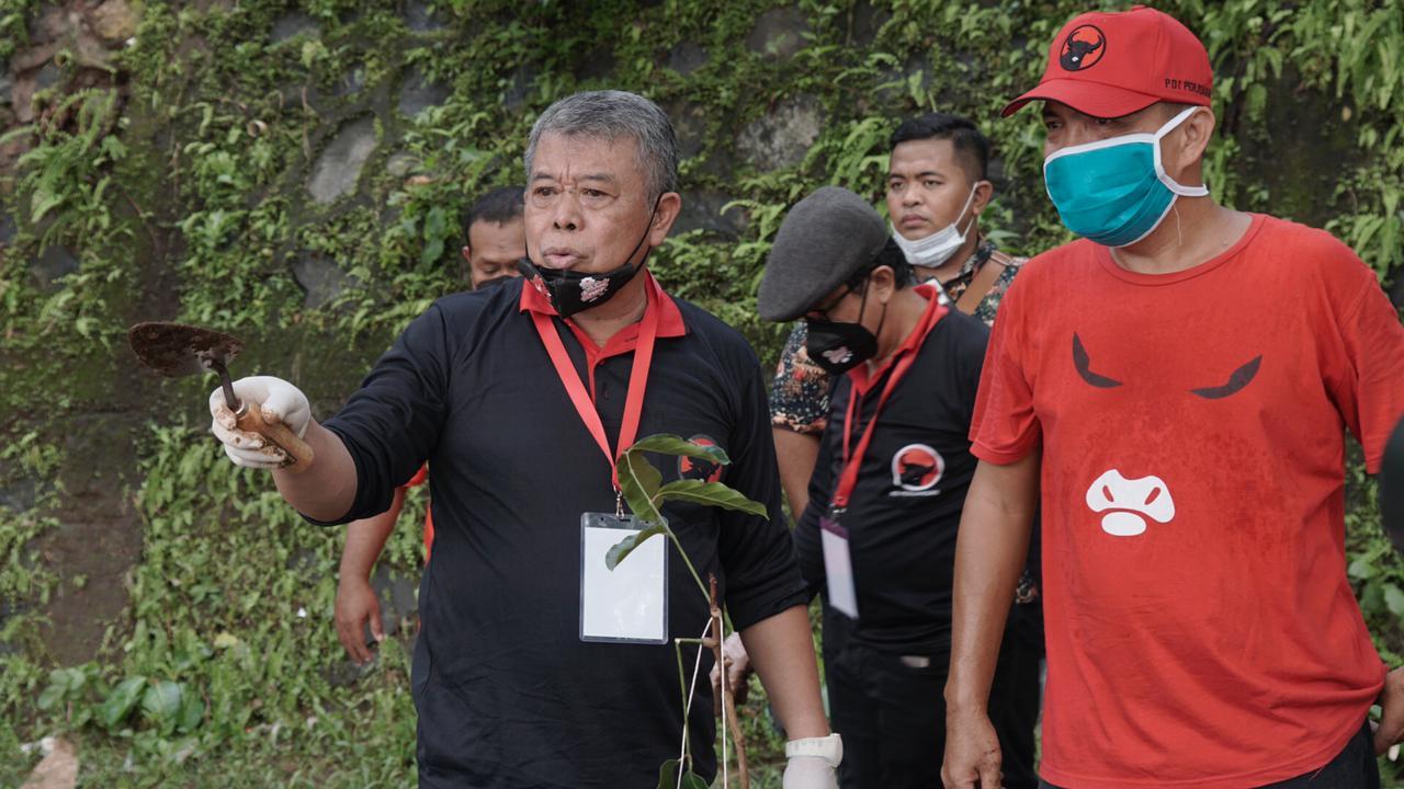 Mantap! Banteng Jatim & Surabaya Ikut Bersihkan DAS Ciliwung