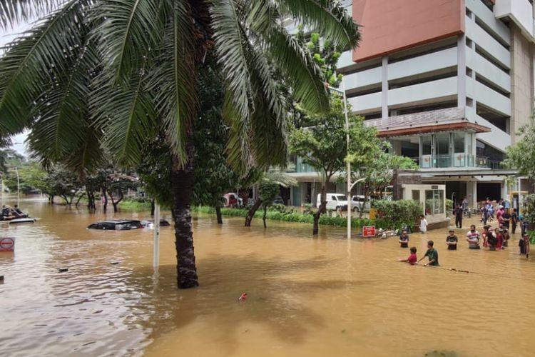 Penanganan Banjir di DKI, Anies Terbelenggu Janji Kampanye