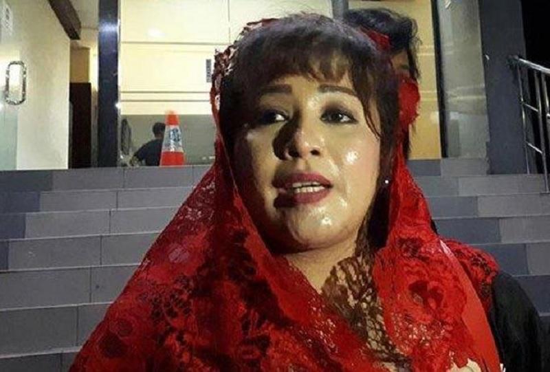 Dewi Mencium RJ Lino Belum Ditahan KPK Karena Terkait JK!