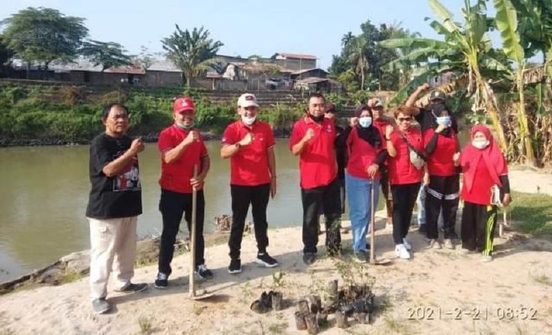 Canangkan Penghijauan, Banteng Tebingtinggi Bersihkan Sungai