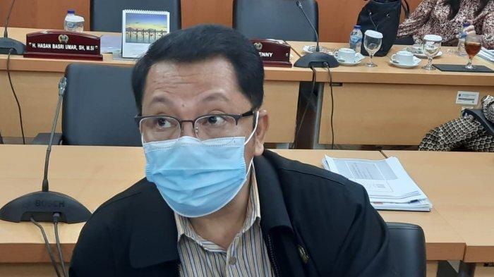 Gilbert Desak Anies Bagikan Masker ke Korban Banjir