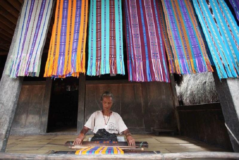 Banteng Bangli Usulkan Tenun Bali Masuk Kurikulum