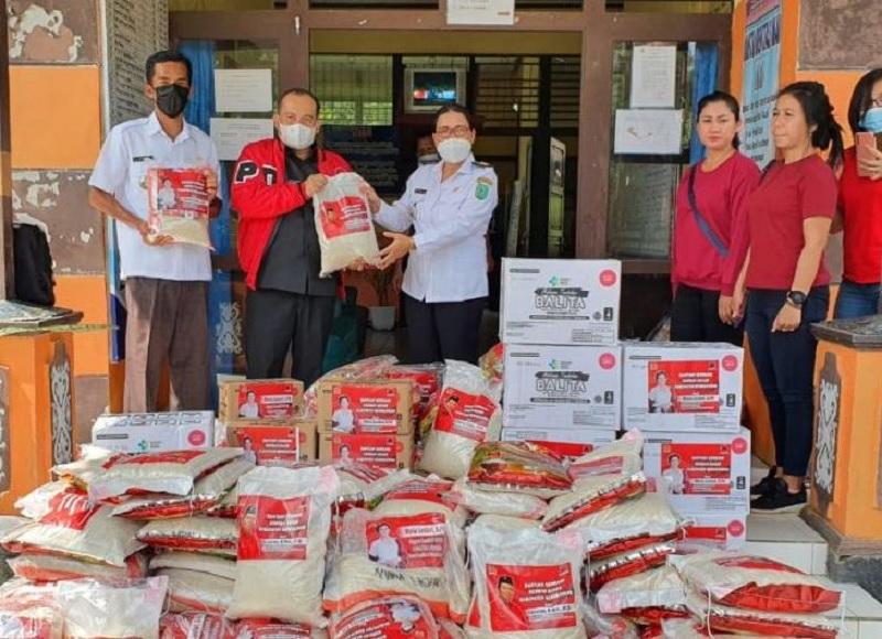 Banteng Bengkayang Beri Bantuan di Perbatasan RI-Malaysia