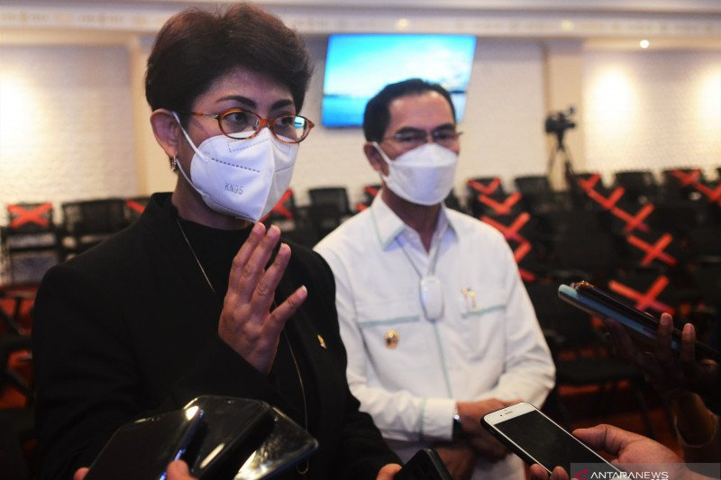 Mercy Soroti Masalah Kelistrikan di Pulau Seram