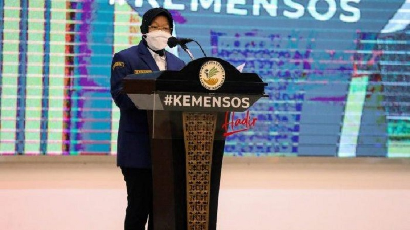 Risma Lengkapi UPT Kemensos Dengan Call Center & Ambulans