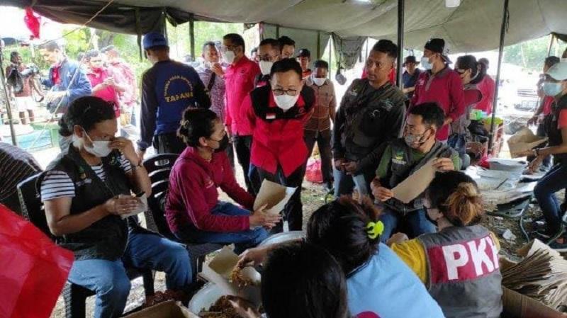 Herman Hery dan Ansy Lema Kunjungi Korban Siklon Seroja