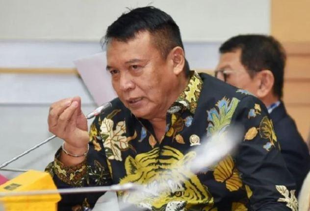 Hasanuddin Minta Cabut PP Standar Nasional Pendidikan!