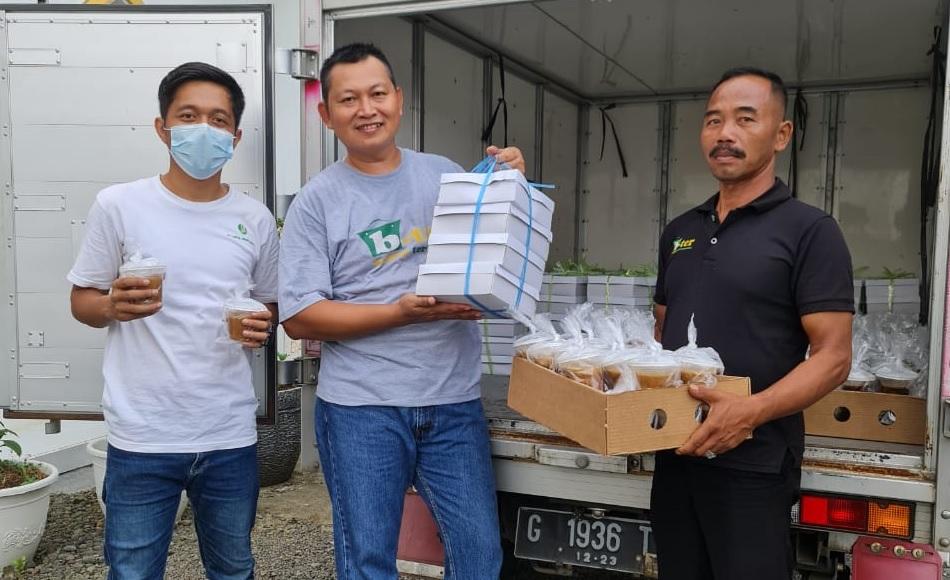 Budi Sapi Bagikan Nasi Kotak dan Takjil di Rutan Pemalang