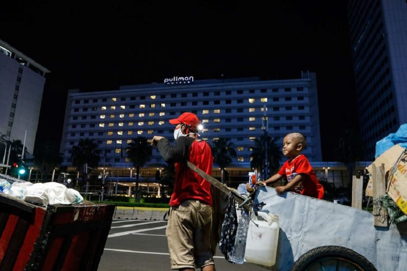 Orang Miskin Jakarta Naik, Anies Tak Punya Program Mumpuni